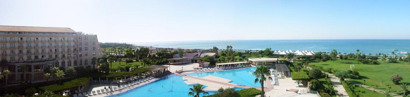 Luxusresort mit Pool direkt am Strand in Belek an der Türkischen Riviera